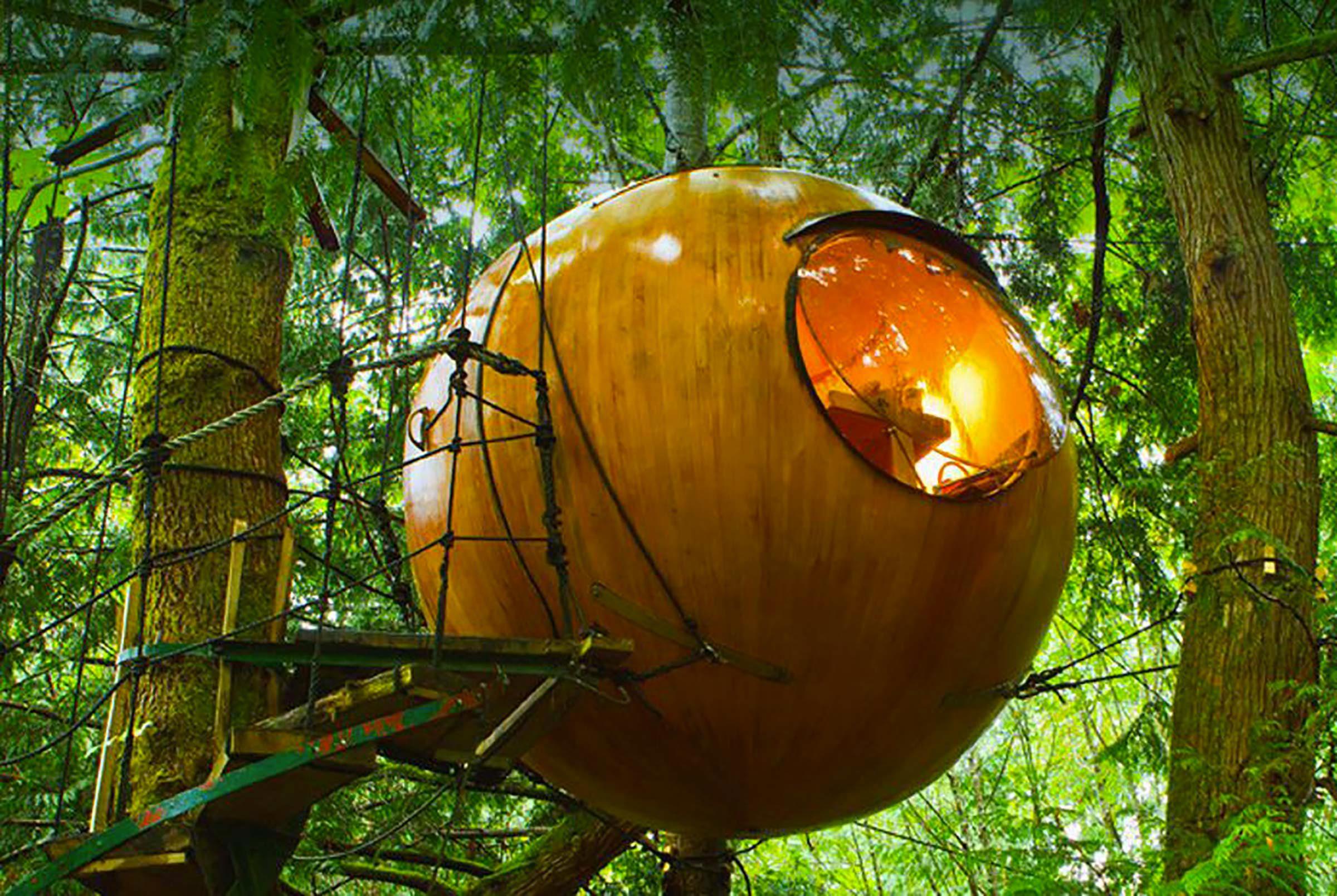 Séjour insolite à Free Spirit Spheres, Qualicum Beach en Colombie Britannique.