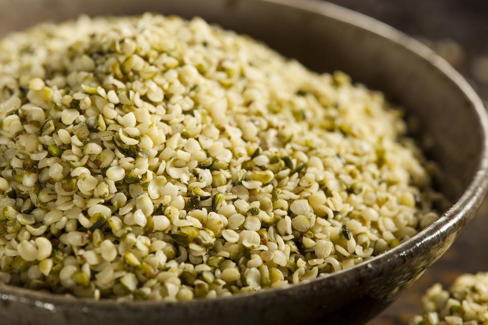 Source de protéines végétales : les graines de chanvre.
