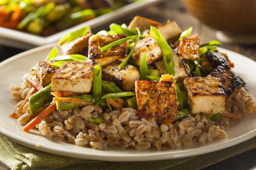 Source de protéines végétales : le tofu.