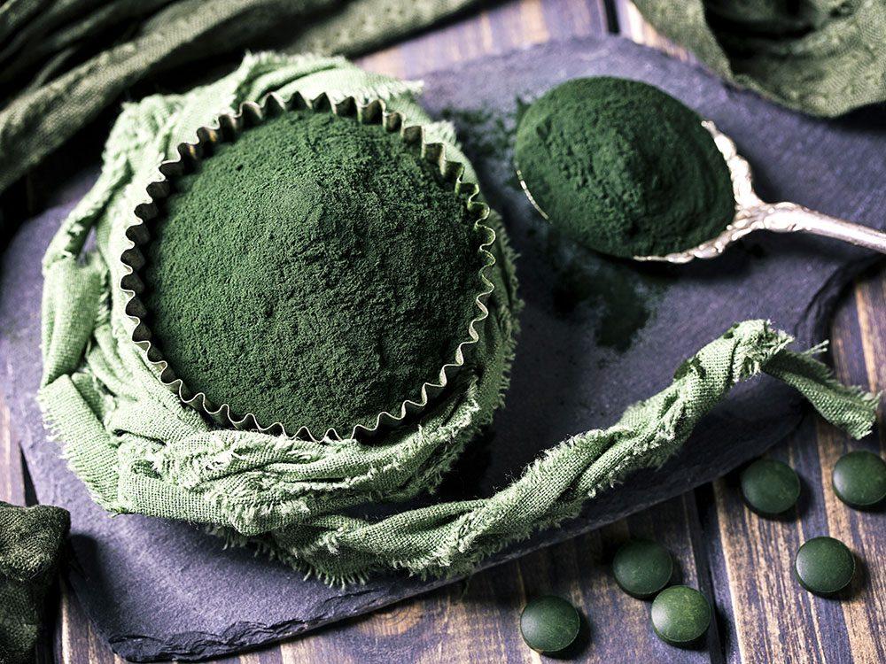 La spiruline fait partie des meilleures sources de protéines végétales.