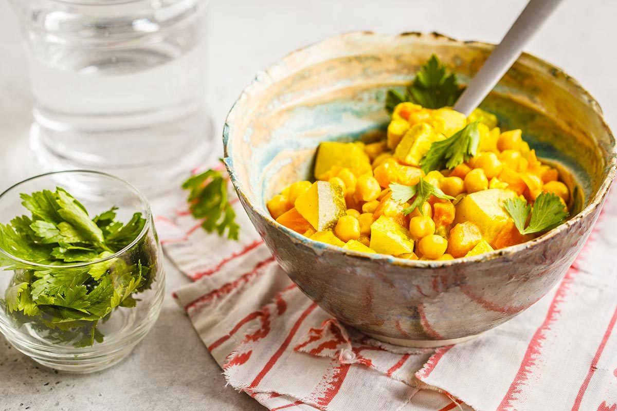 Recette végane : curry de tofu à l'indienne.