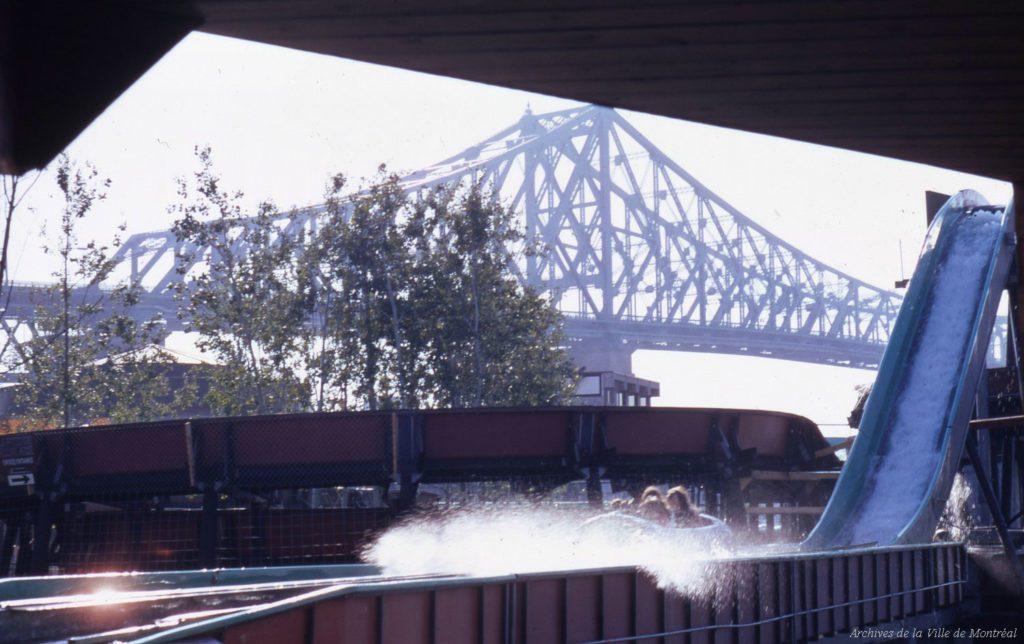 Au Québec, la célèbre Pitoune est une attraction emblématique de la Ronde d'autrefois.