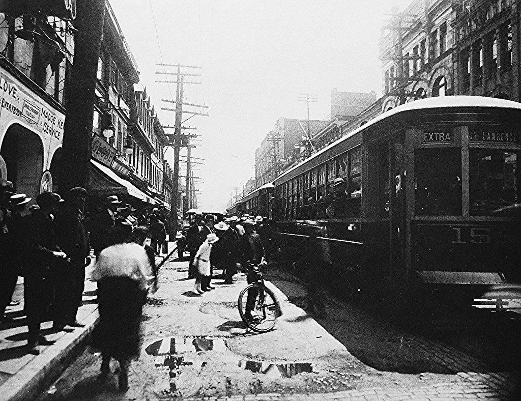 Le réseau du tramway dans la métropole Environ 500 km de rail sur l'île de Montréal.