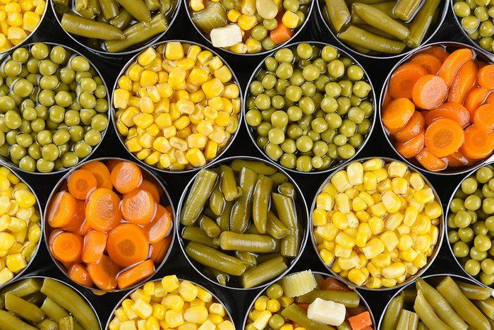 Achats chez Costco : évitez les produits en conserve.
