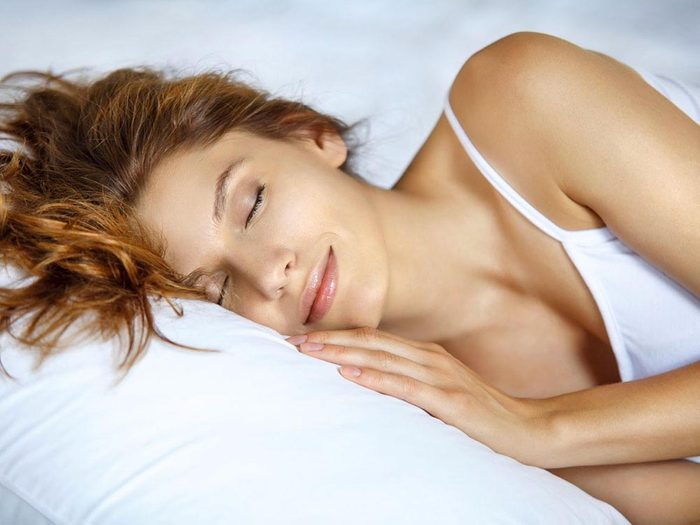 Pour combattre l'acné, adoptez de saines habitudes de vie.