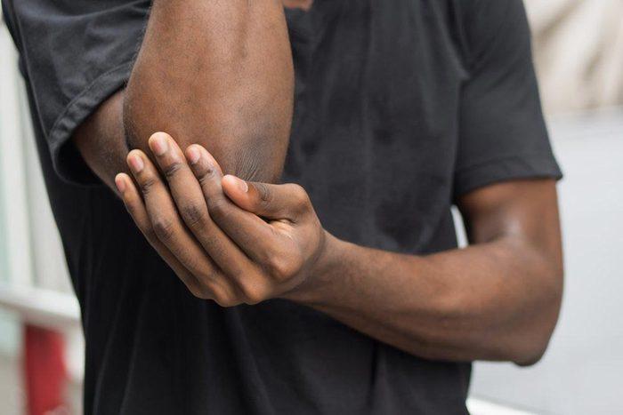 L'arthrite frappe des personnes de tous les âges.
