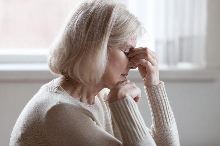 Les symptômes de l'arthrite peuvent être aggravés par la ménopause.