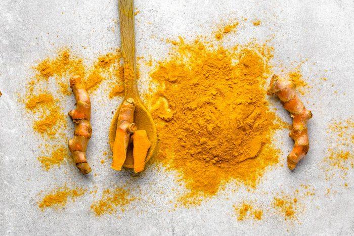 L'arthrite peut être soulagée par la phytothérapie et les suppléments alimentaires.