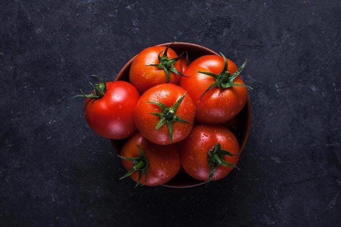 L'arthrite peut être déclenchée par les tomates.