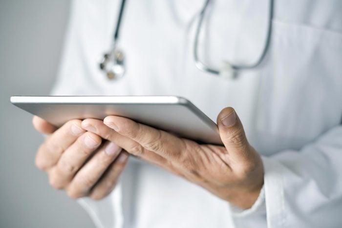 Arthrite : le traitement précoce de l'AR peut déboucher sur une rémission.