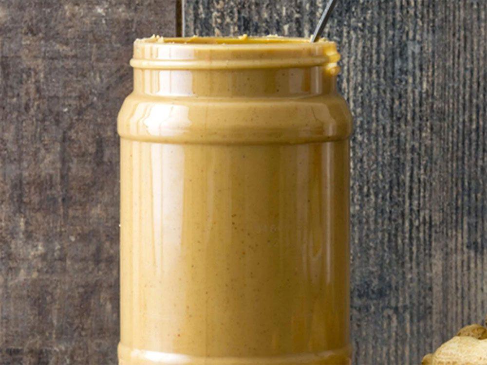 Astuces de cuisine: retournez les pots de beurre d'arachide naturel.
