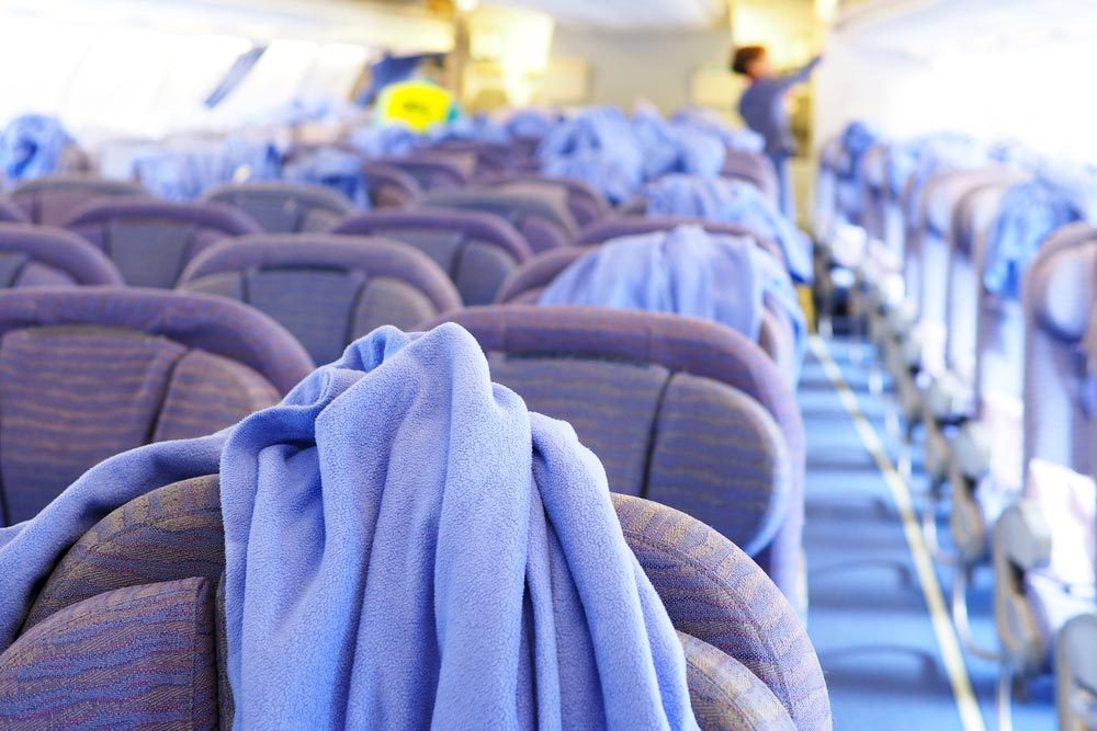 En avion, évitez d'utiliser des couvertures.