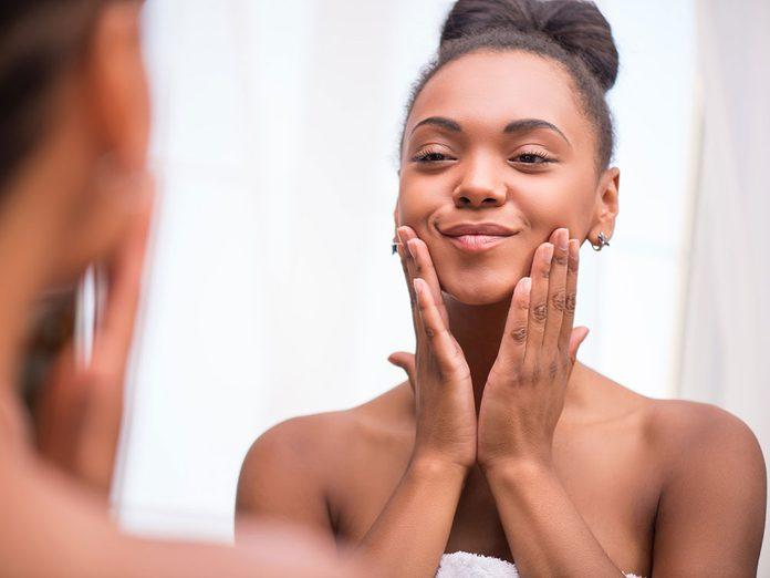 Rendre la peau soyeuse est l'un des bienfait de l'avocat.