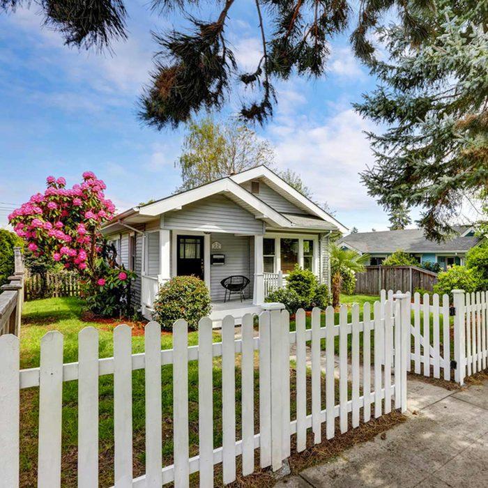 Les cambrioleurs sont attirés par les maisons avec des clôtures.