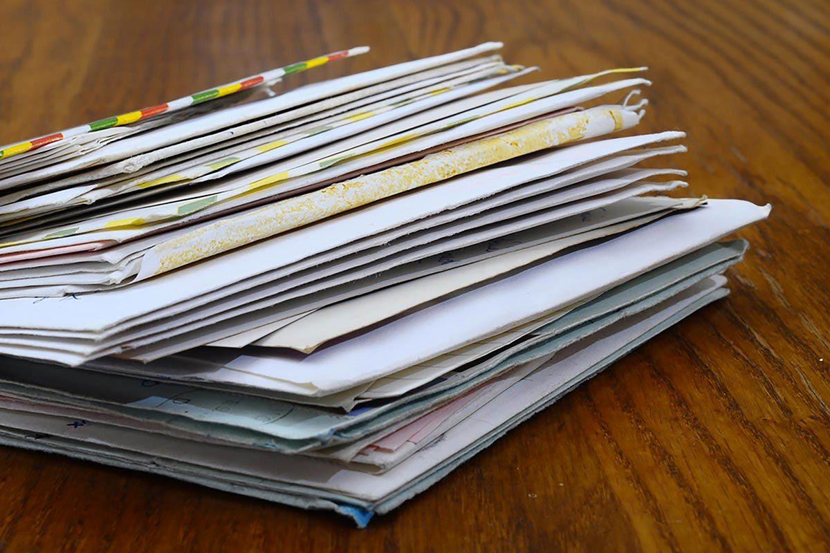 Les cambrioleurs volent votre courrier.