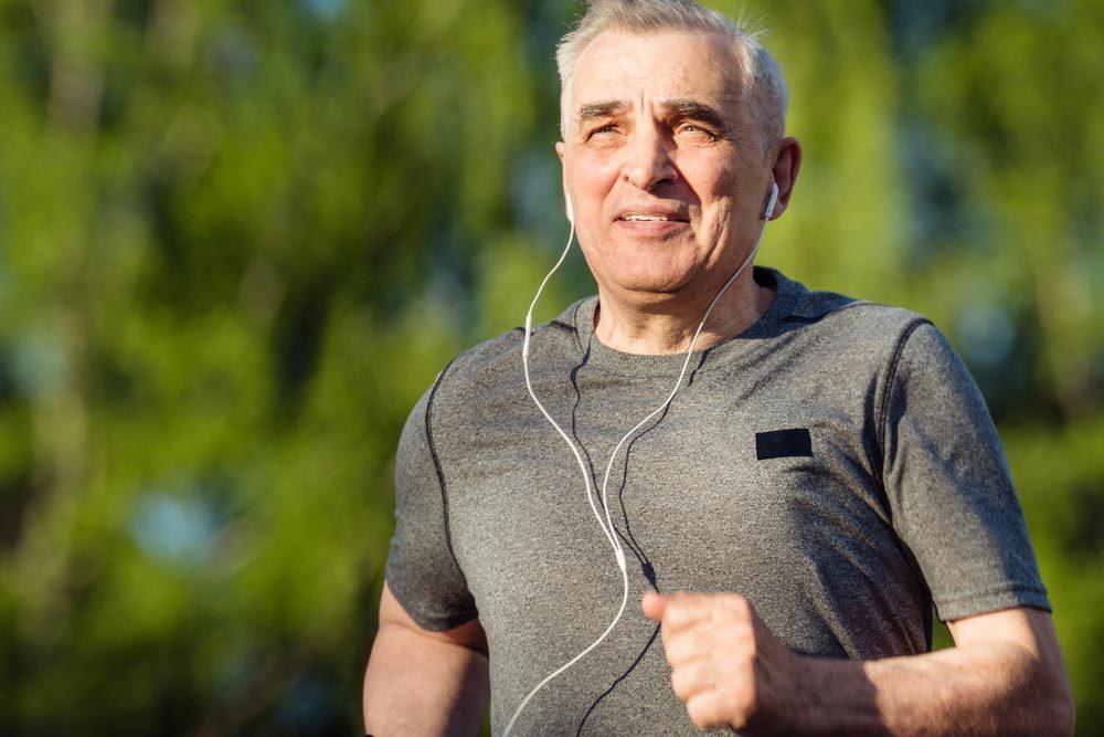 Conseils pour commencer à courir : consultez votre médecin avant de vous lancer.