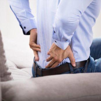 7 signes que vous avez une hernie discale (et vous l'ignorez)