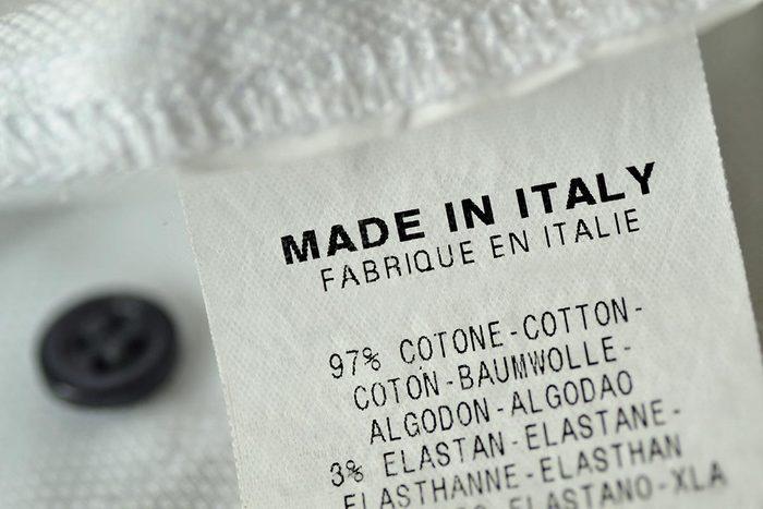 Posez des questions : qui fabriquent vos vêtements?