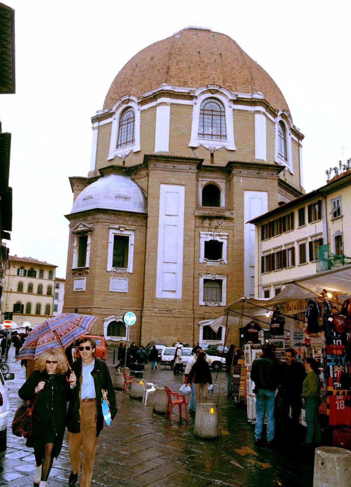 Monument célèbre qui dissimule une pièce secrète : les chapelles des Médicis.