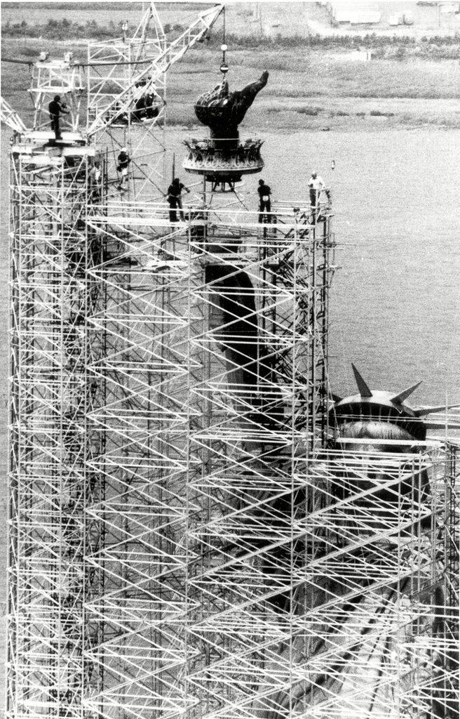 Monument célèbre : construction de la statue de la Liberté.