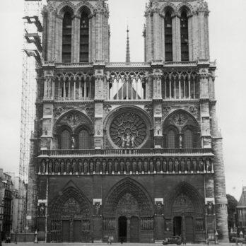 Photos historiques de monuments célèbres en construction