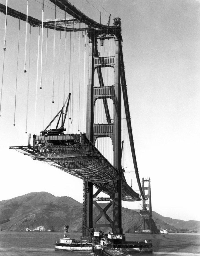 Monument célèbre : construction du pont de San Francisco.