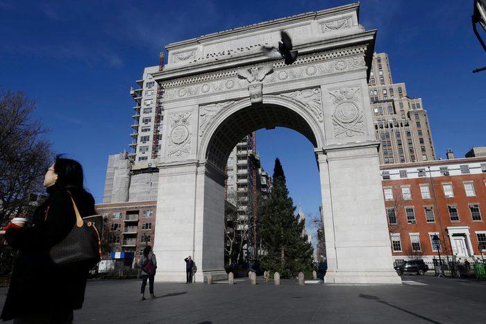 Monument célèbre qui dissimule une pièce secrète : l'arche du Washington Square.