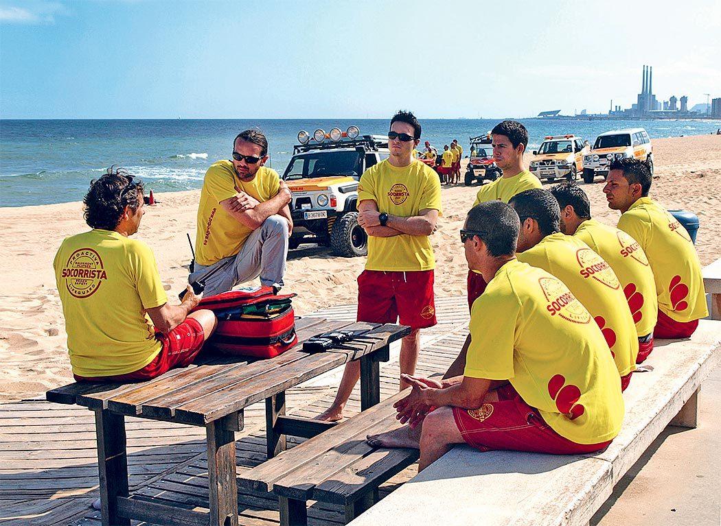 Oscar Camps a lancé Pro-Activa Serveis Aquatics, une entreprise espagnole de maîtres nageurs, en 1999.