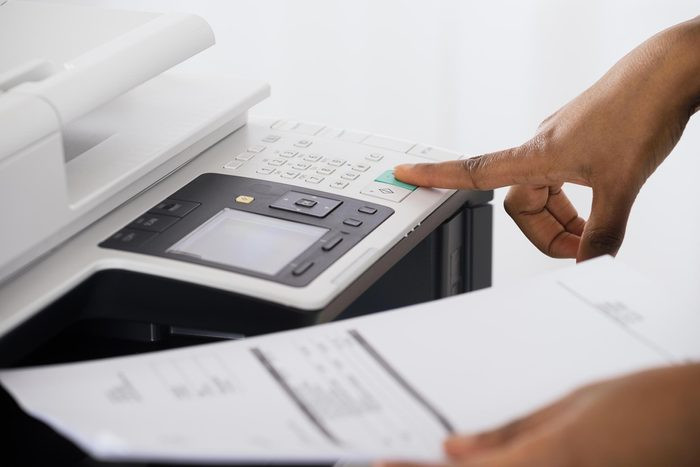 Imprimer recto verso pour économiser le papier.