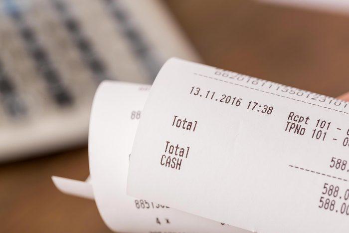Les reçus de papier gaspillent des quantités considérables de papier.