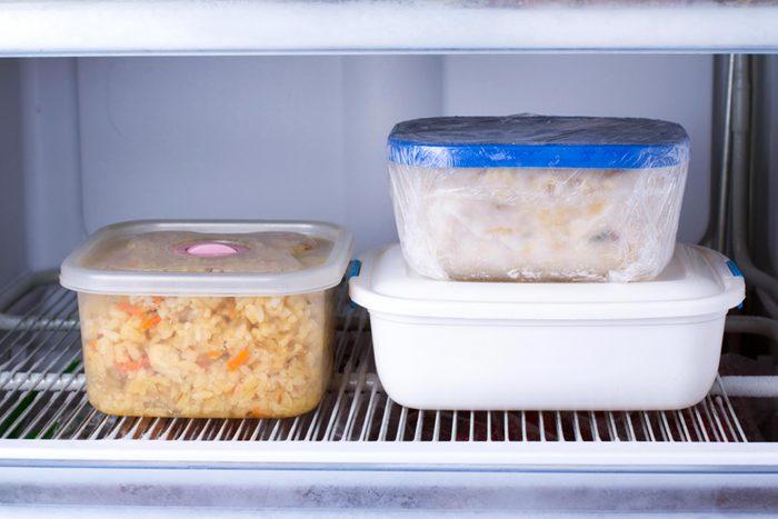 Pour perdre du poids, évitez les repas congelés.