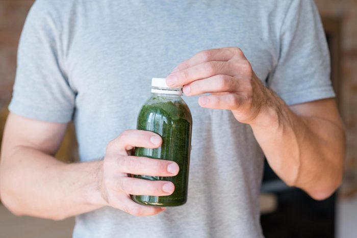 Pour perdre du poids, évitez les smoothies tout préparés.