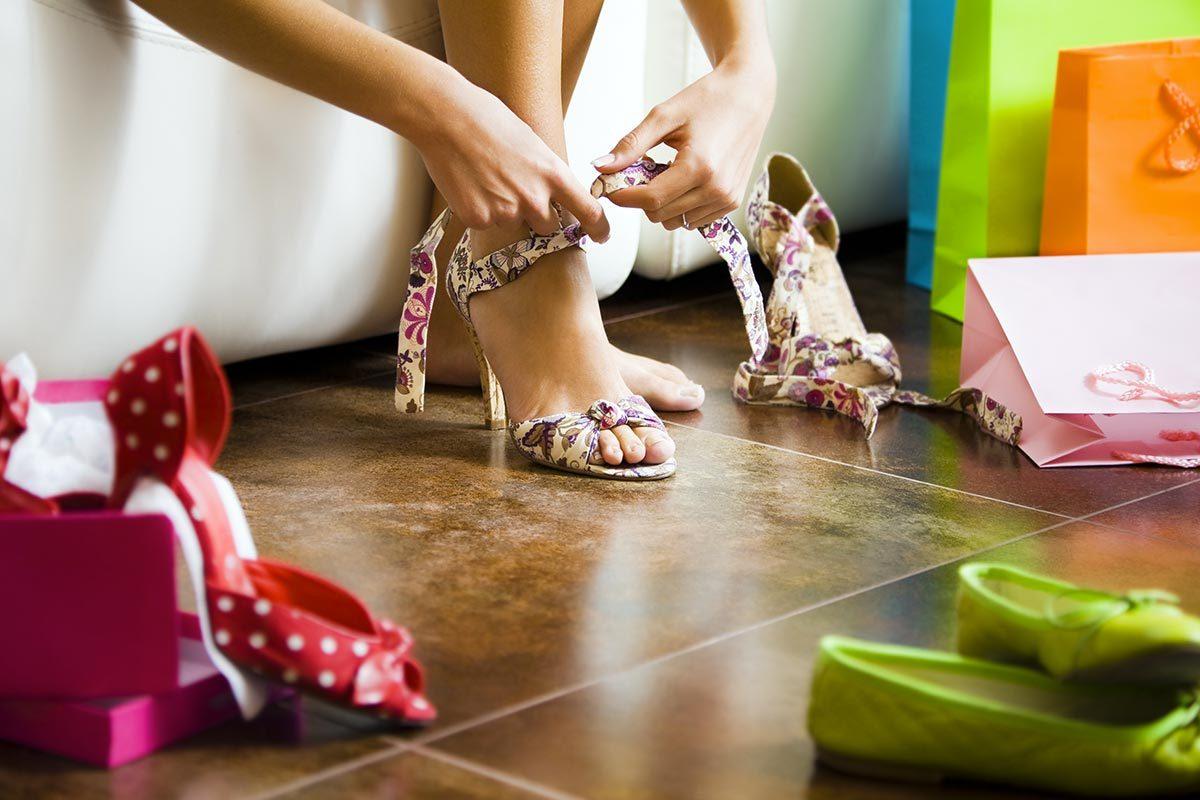 Conseils de podiatre : achetez les chaussures en fin de journée.