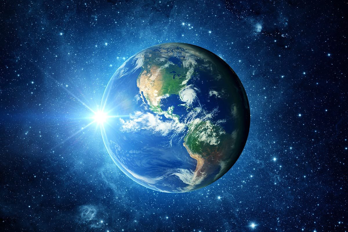 Conseils de podiatre : chacun de nous marche en moyenne l'équivalent de trois fois le tour de la Terre.