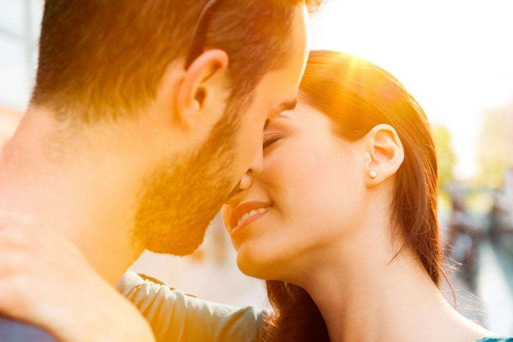 Lors d'un premier rendez-vous, demandez-lui ce qu'il recherche dans une relation.