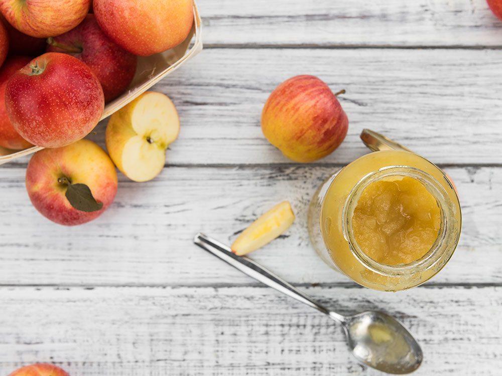 La compote de pommes est parfaite pour remplacer le beurre.
