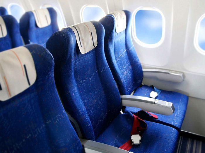 Choisissez votre siège en avance pour ne pas rester pris entre deux sièges.