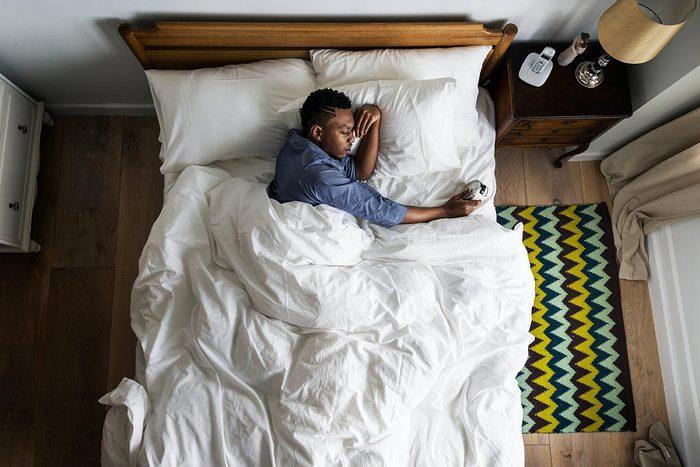 Les sueurs nocturnes peuvent être dues à une baisse de la testostérone.