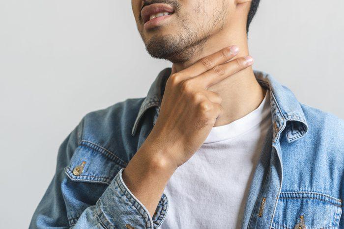 Les sueurs nocturnes peuvent être dues à un trouble de la thyroïde.