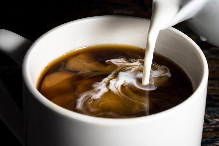 De l'additif pour café tombe du ciel.