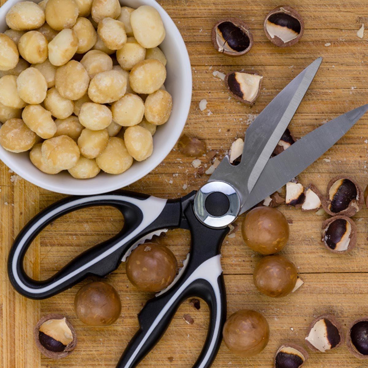 Trucs culinaires : soyez copain avec vos ciseaux de cuisine.