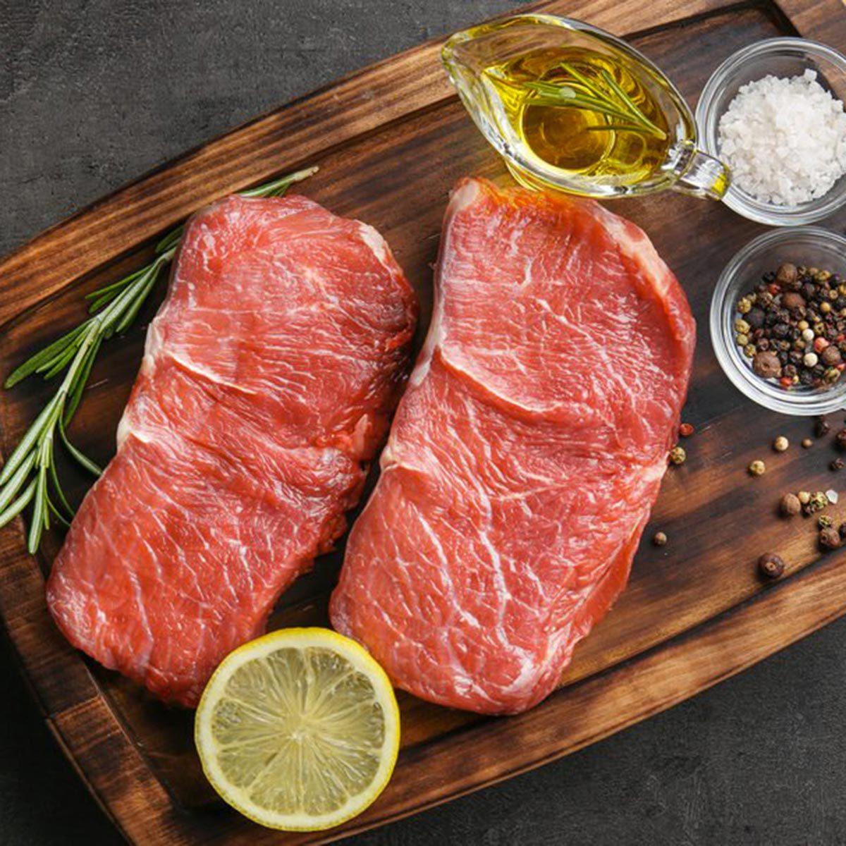 Trucs culinaires : décongelez la viande au dernier moment.