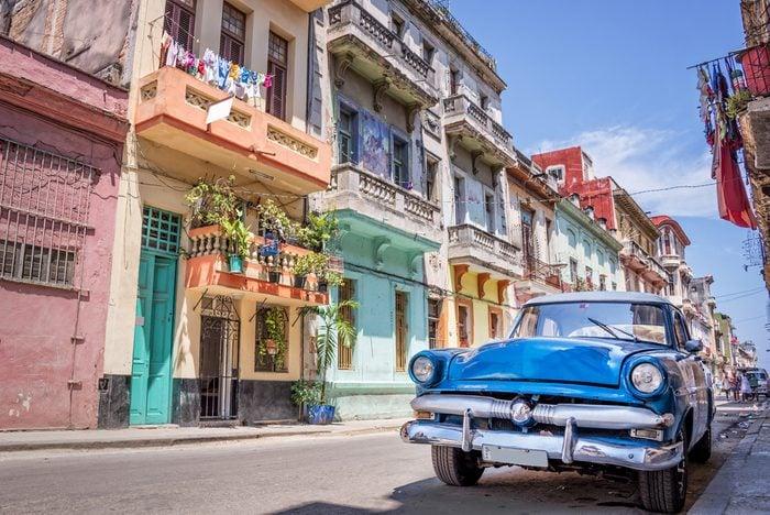 Séjourner chez l'habitant permet de voyager à Cuba de manière économique.