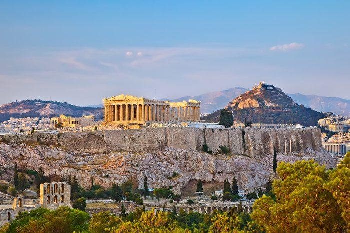 La Grèce, un peu comme l'Espagne, est une destination économique, si l'on sait choisir les bons endroits à visiter.