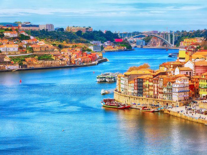 Le Portugal demeure aussi un bon choix de destination économique en Europe.