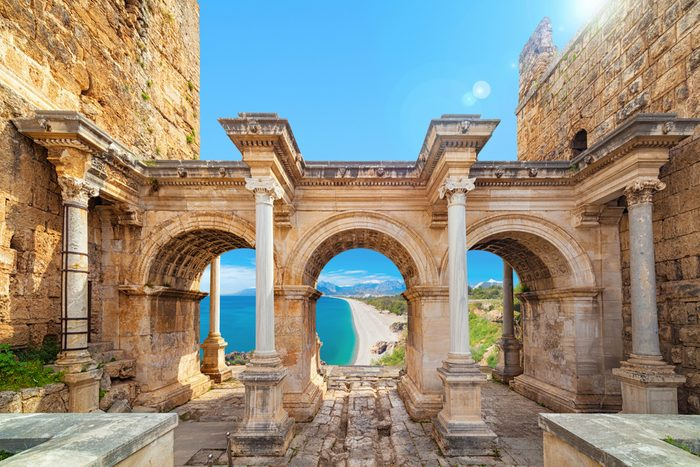 Antalya, en Turquie, est une destination de choix pour les voyageurs qui ont un budget plus limité.