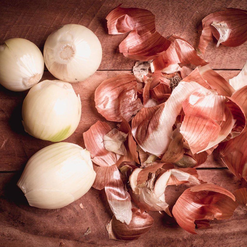 Les pelures d'oignons ne doivent pas être considérées comme des déchets alimentaires.
