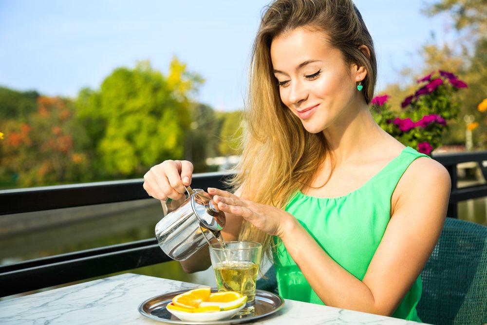 Voyez s'il est dangereux de boire du thé vert tous les jours.