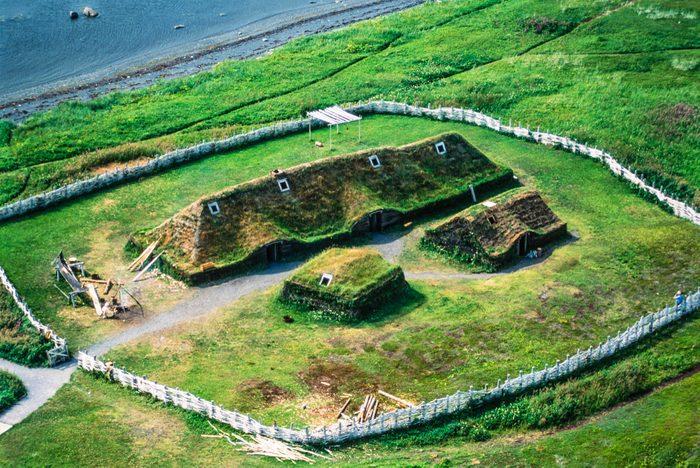 Voyage dans les Maritimes: visiter l'Anse aux Meadows à Terre-Neuve.