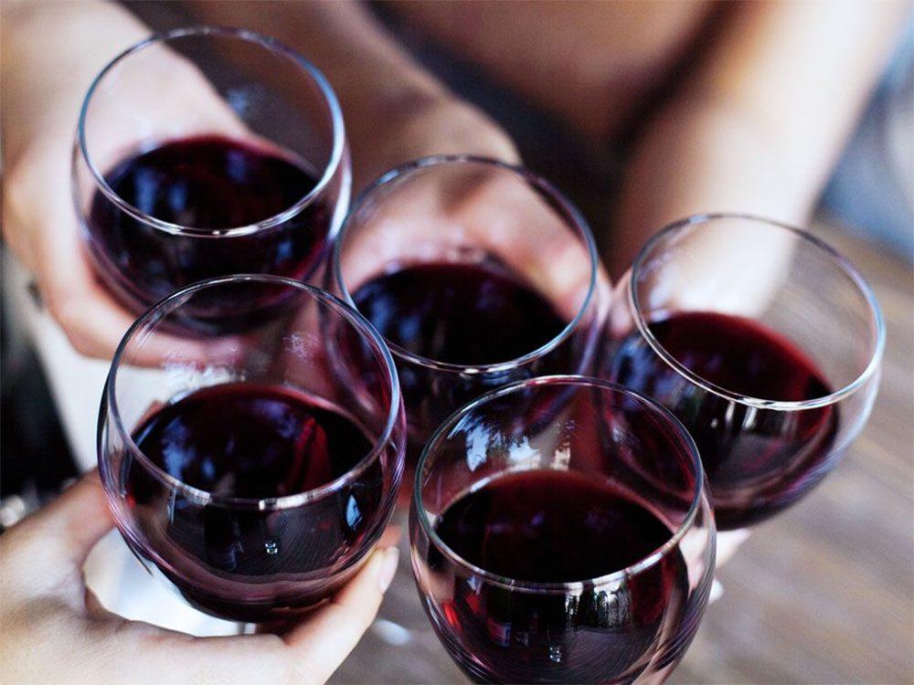 Il vaut mieux éviter de boire de l'alcool avant de se coucher.